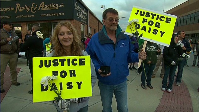 Hundreds rally for alleged rape victim