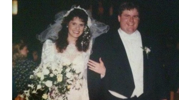 Dan Hyatt married his wife, Shelley, on April 15, 1994, and they had three children. He was always big, but she didn