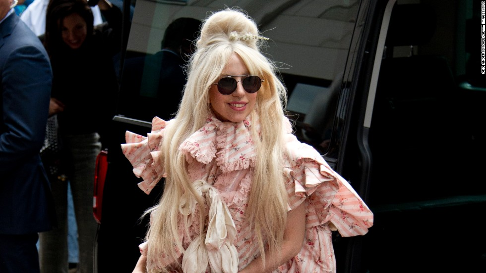 Lady Gaga arrives at the Ritz Carlton hotel in Berlin on October 23, 2013.