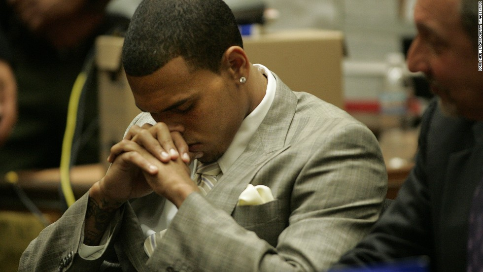 "<strong>June 2009: <a href=""http://www.cnn.com/2009/SHOWBIZ/Music/06/22/chris.brown.hearing/index.html""></strong>Brown agreed to plead guilty to a felony assault charge</a> in the Rihanna beating at a June 22 hearing. The plea deal included five years' probation, 1,400 hours of ""labor-oriented service"" and a yearlong domestic-violence counseling program."