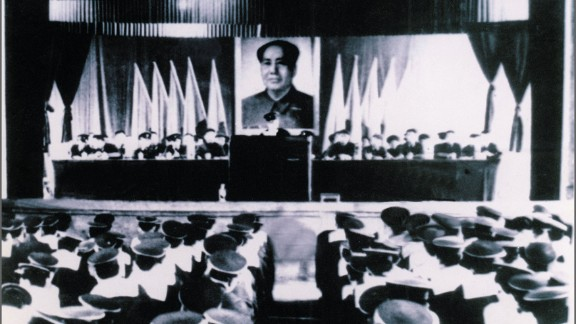 Chinese soldiers take part in the founding ceremony of the submarine fleet in 1971. China declassified its first fleet of nuclear submarines for the first time on Sunday, October 27. The official debut of the fleet was in 2009, when the PLA navy celebrated the 60th anniversary of its founding with two nuclear submarines of the Chinese navy leading a spectacular parade.