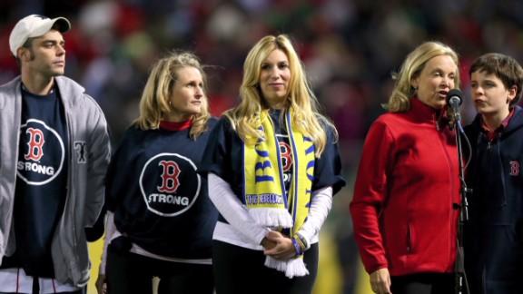 field.boston strong_00011109.jpg