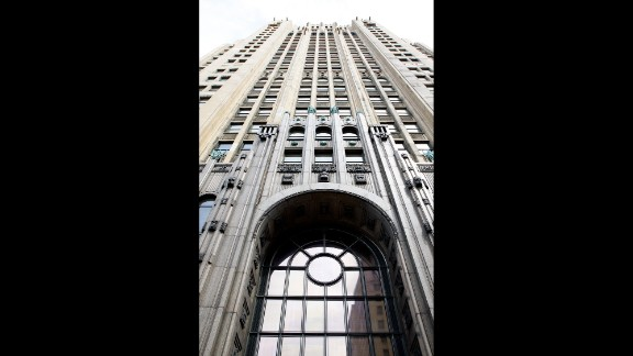 Instead of venturing into the city's dangerous abandoned buildings, check out some of the surviving architectural treasures. The 1928 Art Deco Fisher Building in the city's New Center area is home to the Fisher Theatre.