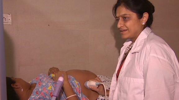 kapur.india.surrogacy.clinics_00013424.jpg