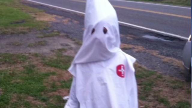 Kkk Halloween Costume Amazon.Mom Defends Son S Kkk Costume
