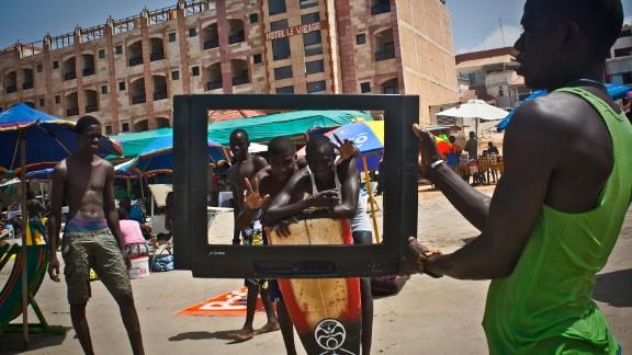 Télé bi (2012), by Senegalese photographer Mouhamadou Moustapha Sow