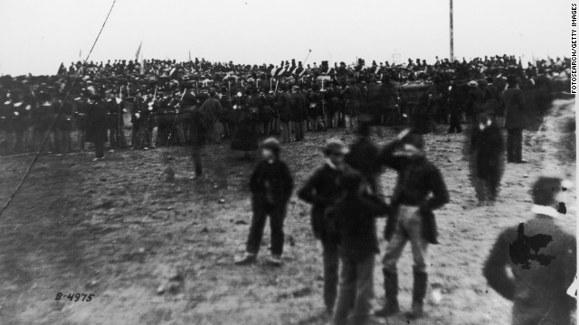 Crowds gather for the dedication of the cemetery at the Gettysburg battlefield the day before Lincoln spoke.