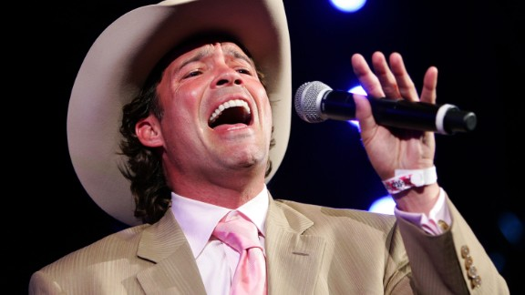 It has been more than 15 years since musician Clay Walker was diagnosed with multiple sclerosis. He says he's learned to manage his condition by eating a healthy diet, exercising and taking his medication.