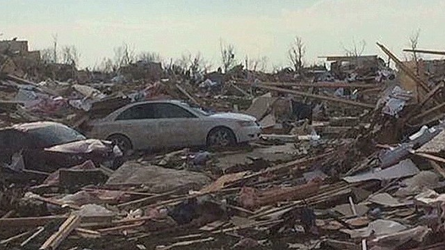 Tornado touches down outside of Peoria