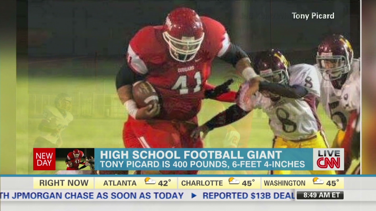 See 400-lb  high school player in action - CNN Video