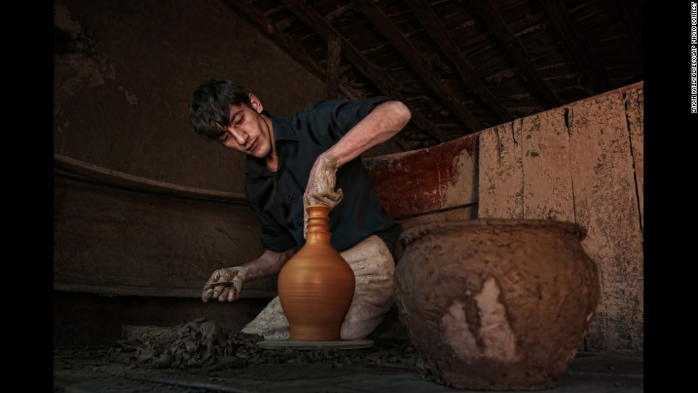This man comes from a long line of Turkish potters. A microloan enabled him to sustain his family's business.