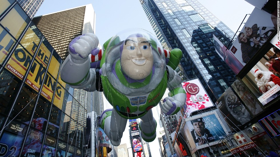 "<strong>Buzz Lightyear (2008):</strong> The ""Toy Story"" star floats down Broadway in 2008."