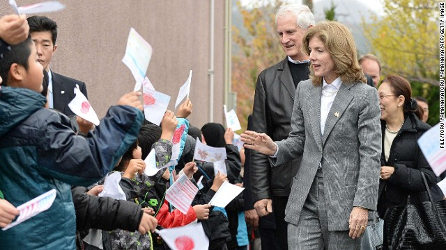New US ambassador to Japan Caroline Kennedy visits a school in a tsunami-hit area during her tour last month.