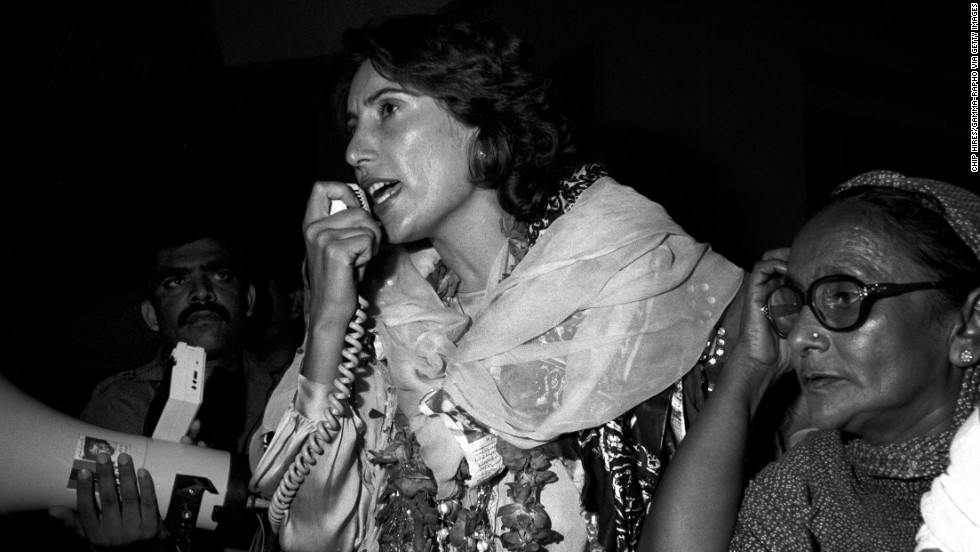 Bhutto speaks in Karachi on September 9, 1986.