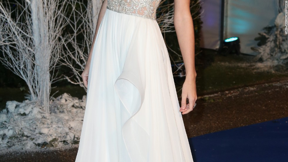 Taylor Swift shines at a charity event in London on November 26.