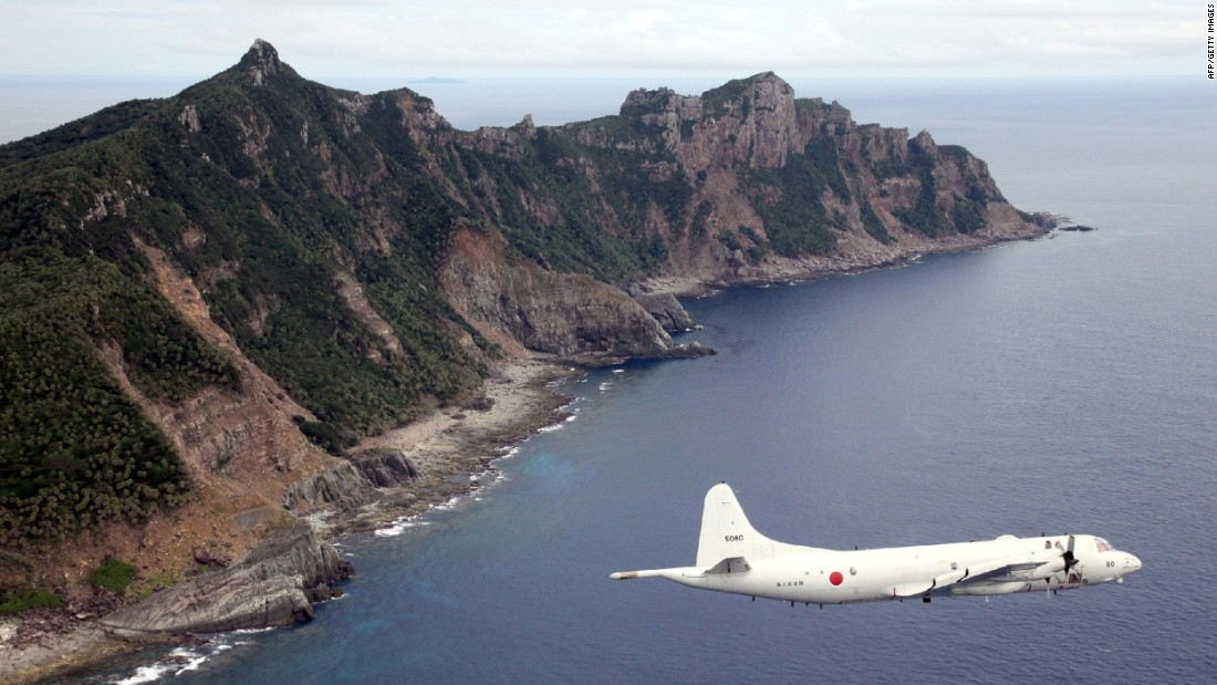 Il Giappone afferma che le navi cinesi trascorrono il tempo record violando le sue acque territoriali