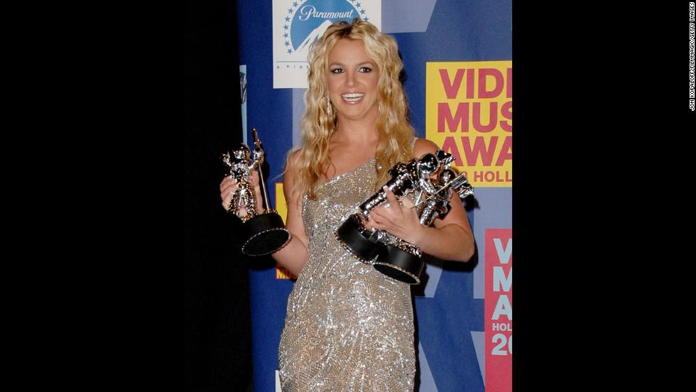 Spears poses in the press room at the 2008 MTV Video Music Awards.