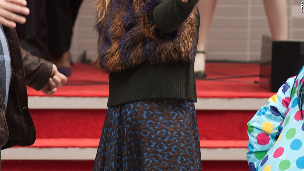 "Cameron Diaz gets into character on the set of ""Annie"" on December 3."