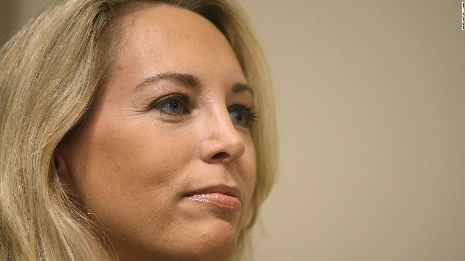 Valerie Plame Wilson apologizes for Jews tweet photo