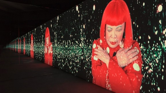 Manhattan Suicide Addict is a video installation that shows Kusama performing a song that she wrote.