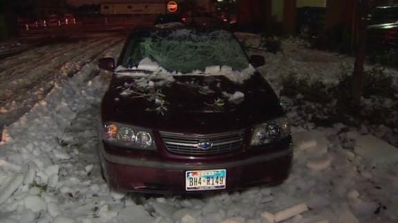 dnt tx ice falling causes damage_00004224.jpg
