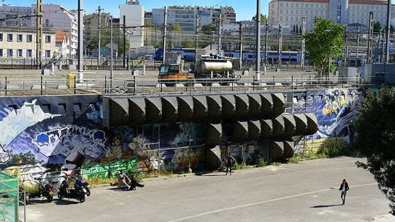 Architect and former graffiti artist Stéphane Malka seeks out neglected areas of cities