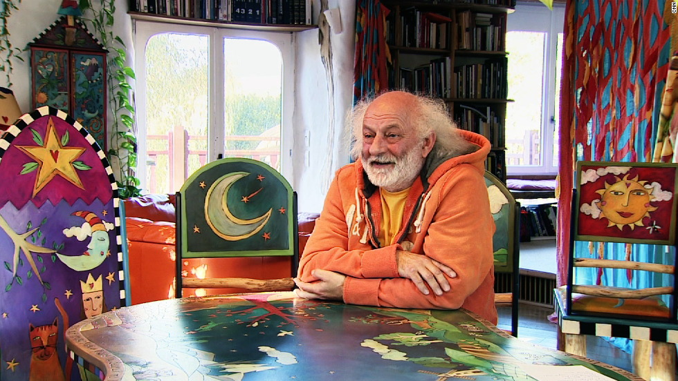<strong>Slava Polunin</strong> tours the globe as one of the world's most famous clowns. But his home is as magical as anywhere he might have set foot on his travels.