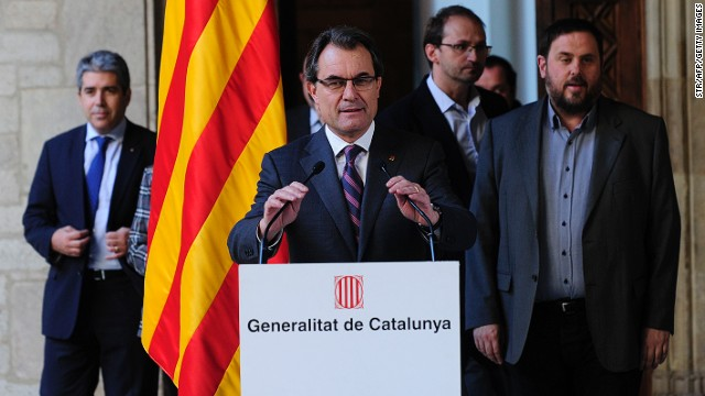 Catalan regional president Artur Mas speaks during a press conference on December 12, 2013 in Barcelona.