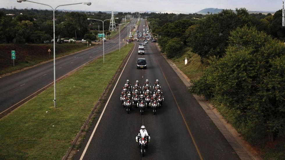 Motorcycles escort Mandelau0026#39;s ... & The funeral of Nelson Mandela