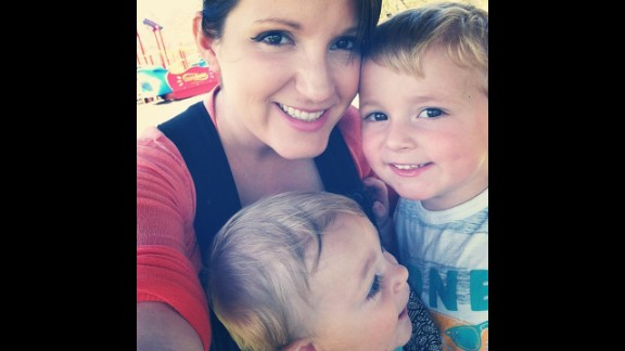 """Jen Bosse, a mom of two, says more parents are """"gifting experiences"""" rather than<strong> </strong>giving material goods. Whether it's a museum visit or a family trip, there are many such activities that are """"often much more valuable in the long run than a new set of Legos or a Barbie Dream House,"""" said Bosse, who blogs at <a href=""""http://www.defining-my-happy.com/"""" target=""""_blank"""" target=""""_blank"""">Defining My Happy.</a>"""