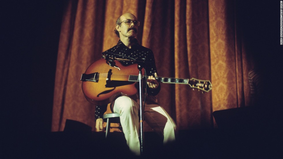 "Jazz guitarist <a href=""http://www.cnn.com/2013/12/11/showbiz/guitarist-jim-hall-obit/index.html"">Jim Hall</a>, who played with the jazz greats of the 20th century and influenced the younger ones, died December 10, his family said. He was 83."