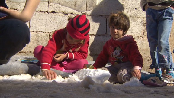 syria refugee crisis continues jamjoom pkg_00000803.jpg