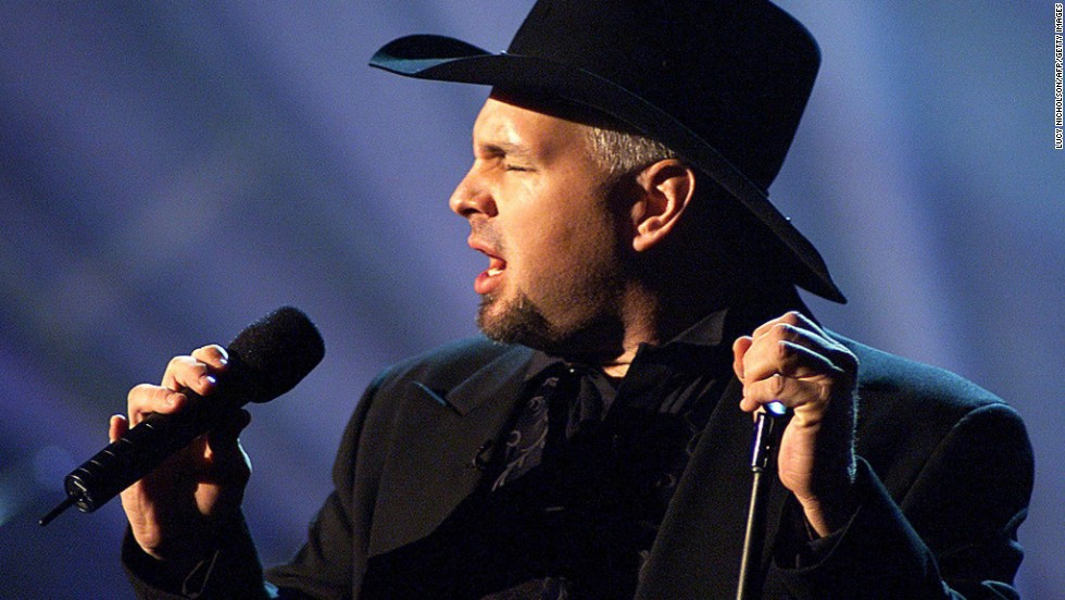 "Garth Brooks simply can't say no to his fans. The country star initially retired in 2000 only to return in 2009 with <a href=""http://www.cnn.com/2009/SHOWBIZ/Music/10/15/garth.brooks.retirement/"" target=""_blank"">""a series of special engagements"" in Las Vegas</a>. In case anyone was confused about Brooks' state of employment -- unretired? semiretired? -- Brooks officially confirmed that he's still a working musician when <a href=""http://theboot.com/garth-brooks-announces-2014-world-tour/"" target=""_blank"">he announced his 2014 world tour. </a>"
