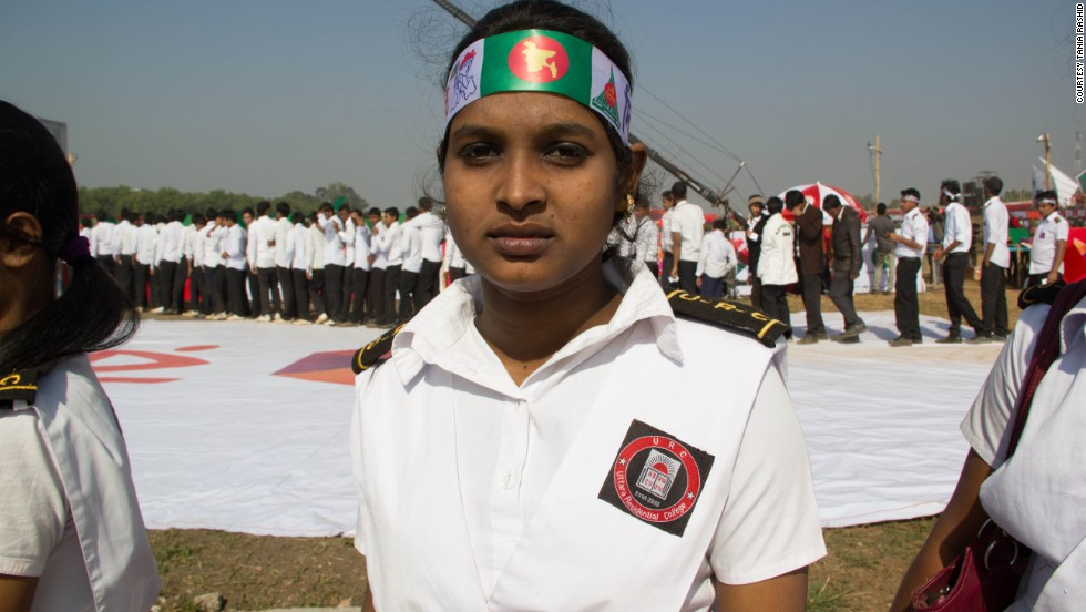 17-year-old student, Akhika Akhtar, participates in the record-breaking attempt with her classmates.