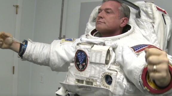 nr sanchez lab legacy spacesuit for the stars_00004209.jpg