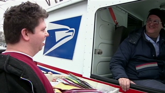 Man receives 1,800 cards for Christmas