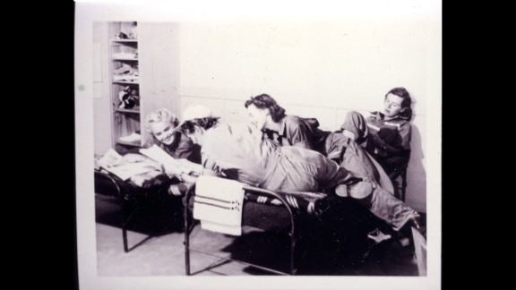 WASPs Ann McClellan, Catherine Houser, Mary Jane Stephens, Lida Dunham and an unidentified woman in their barracks.