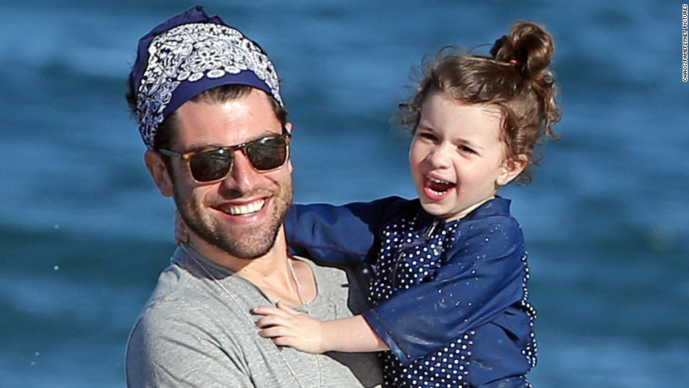 Max Greenfield is all smiles in Maui, Hawaii with daughter Lilly on December 30.