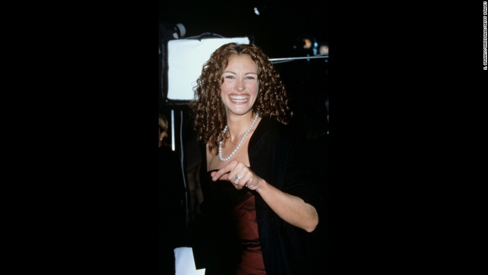 "<strong>January 7, 2015: </strong>The only show in the bunch to let fans vote on the winners, like Julia Roberts, pictured here accepting the award for favorite motion picture actress in 2000. The first words out of her mouth? ""I'm so glad I shaved my underarms!"""