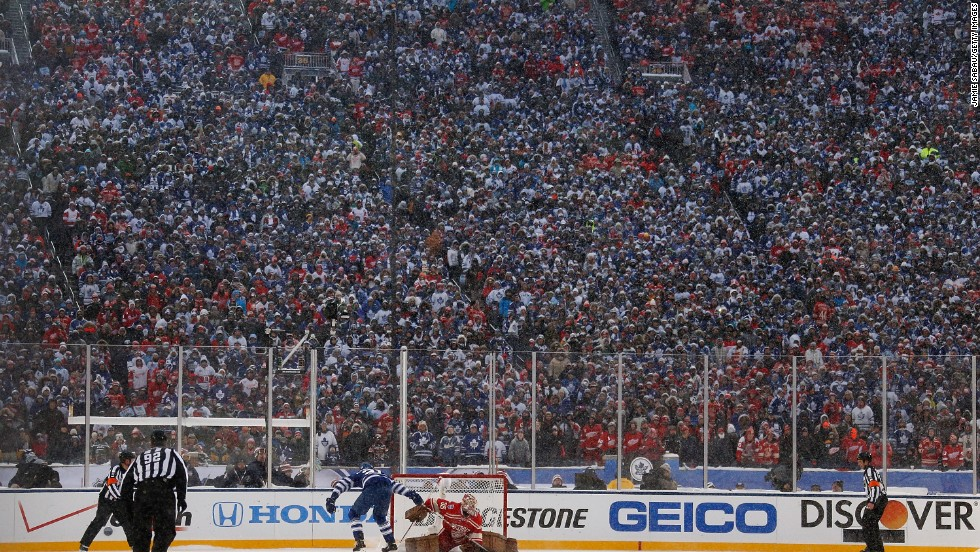 The 105,491 attendance could set a new record high for a hockey match, pending confirmation by the Guinness Book of Records. The previous record of 104,173 was set in the same venue for a 2010 match between Michigan and Michigan State. As many as 40,000 Toronto Maple Leafs fans made the journey from across the Canadian border for the game.
