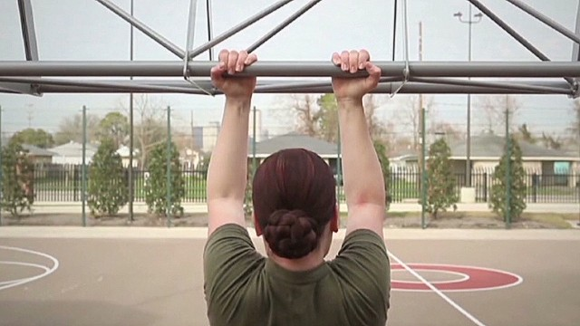 Female Marines can't do three pull-ups?