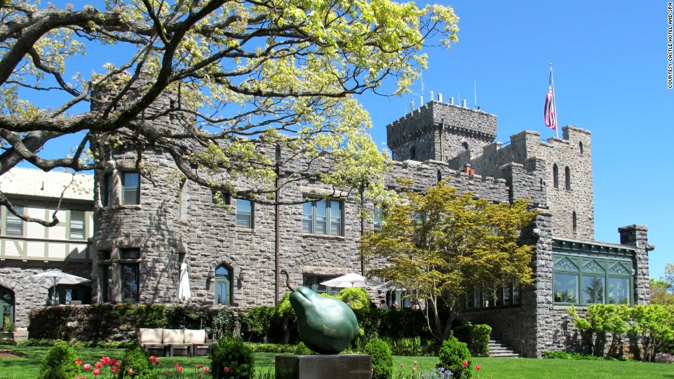 8 US Castle Hotels With Lots Of Room For Romance
