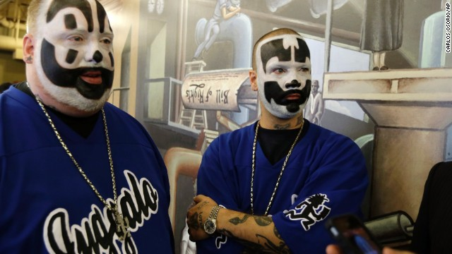 insane clown posse sues fbi for labeling juggalo fans a