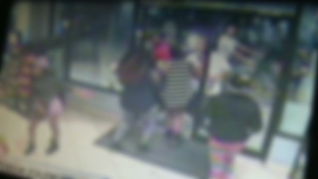 dnt teen flash mob robbery _00003117.jpg