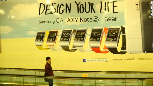 Ad promoting Samsung's Galaxy Gear on Hong Kong's subway.