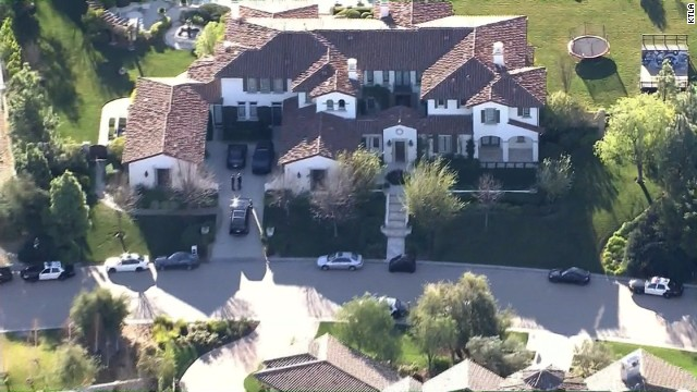 Bieber's house searched after egg attack