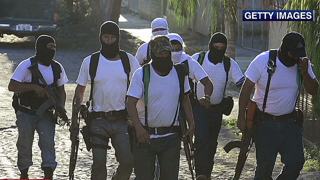 cnni romo mexican forces struggle vigilantes battling drug cartel_00013620.jpg