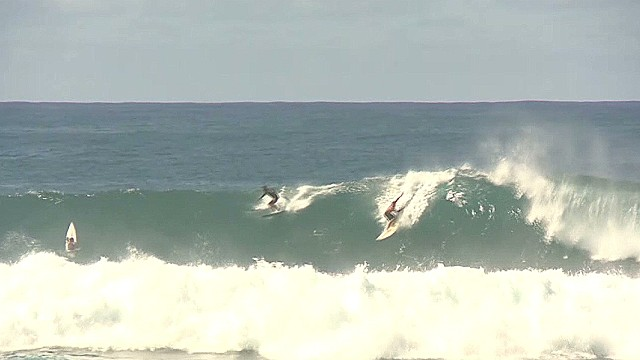 Super sized waves expected in Hawaii