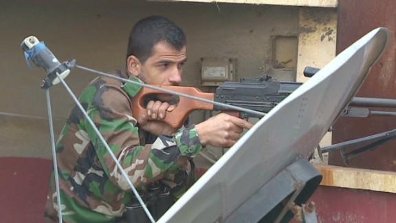 syria inside aleppo pleitgen pkg_00022529.jpg