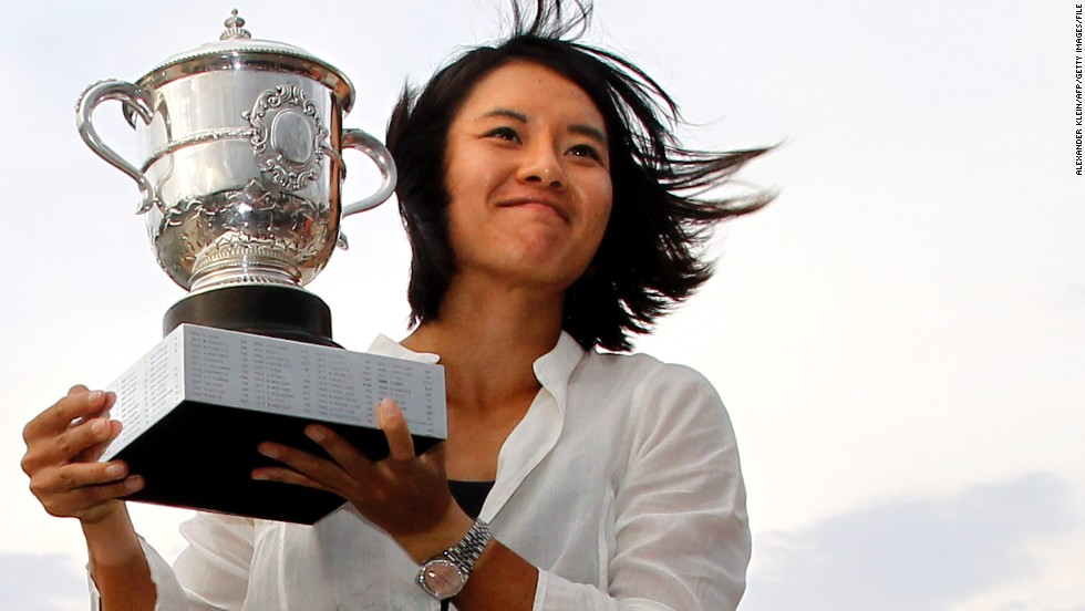 China's Li -- beaten by Azarenka in last year's Melbourne Park final -- will be looking to win her second grand slam title, adding to the French Open crown she clinched in 2011.